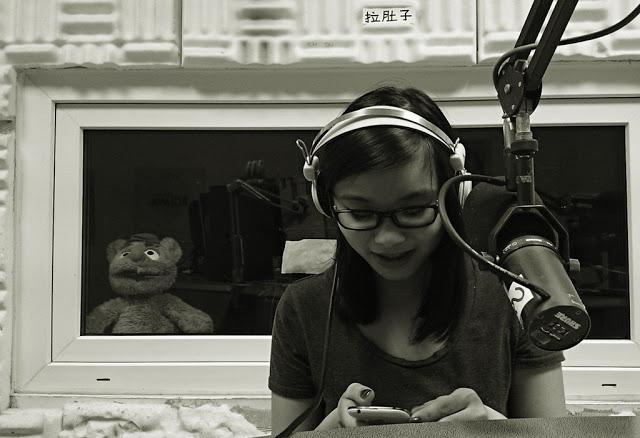 Zwei Stunden Radioshow – Ich zu Gast bei Mrs.Pepstein auf Radio Blau.