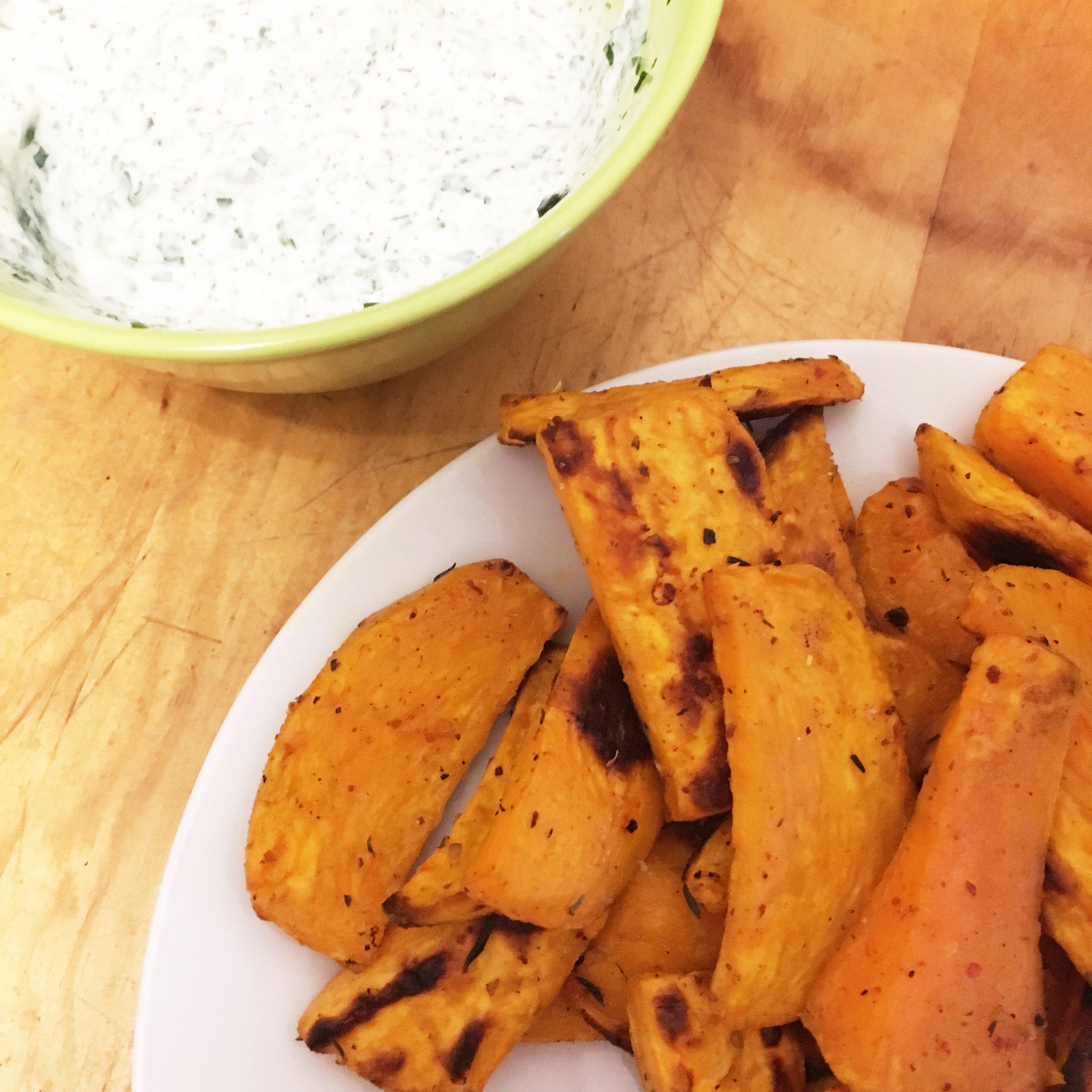 Rezept: Süßkartoffel-Ecken mit Kräuterquark